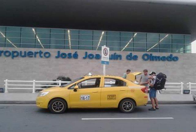 transporte desde y hacia los aeropuertos de quito, guayaquil, manta y salinas.